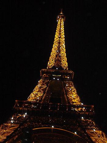 Madame la Tour Eiffel